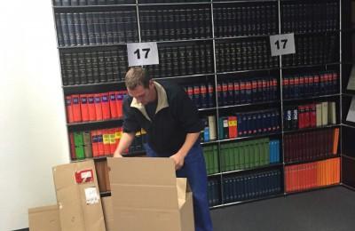 Stark Umzug Kisten packen